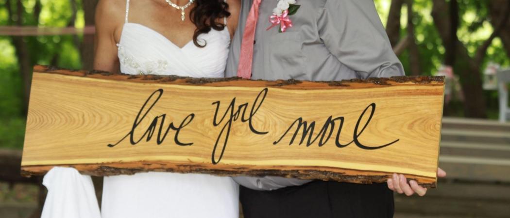 Lyne and Jason Sign